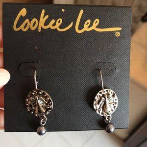 Cookie lee angel glass pearl earrings